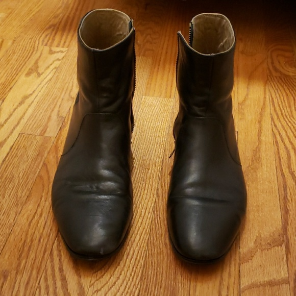 d3f21a2f525 Practically new mens zip up black ankle boots